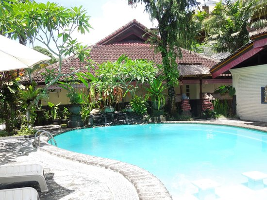 Graha Resort: Pool area