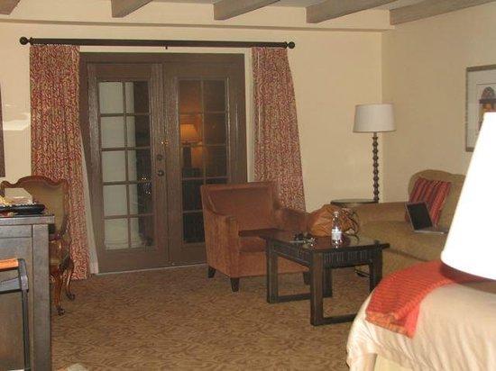 Omni La Mansion del Rio: Living area of room