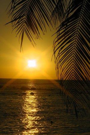 Royal Decameron Salinitas: sunsets near snack bar