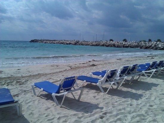 Hotel Marina El Cid Spa & Beach Resort: View south towards marina