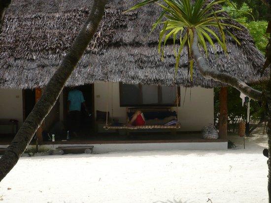 Hakuna Majiwe Lodge: La camera e l'amaca