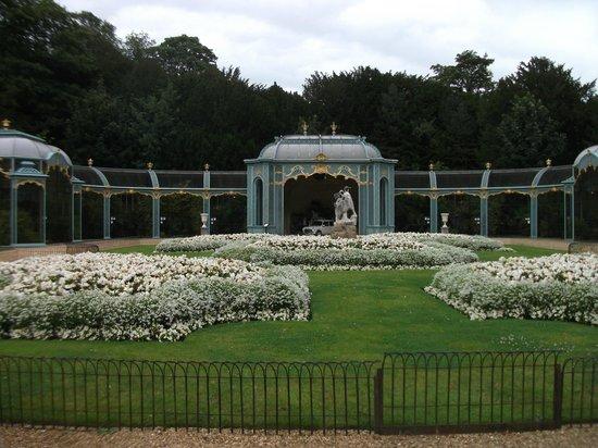 Waddesdon Manor:                   Avery