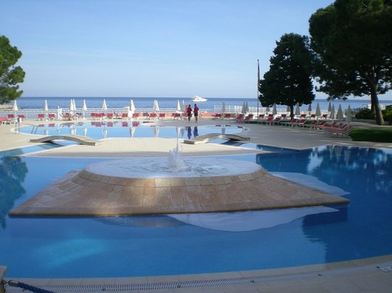 Le Meridien Beach Plaza: Pool