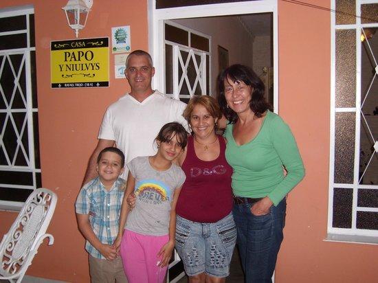 Casa Papo y Niulvys: Niulvys, Papo, los ninos y yo