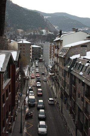 Hotel Del Pui: Улица, на которой находится отель.