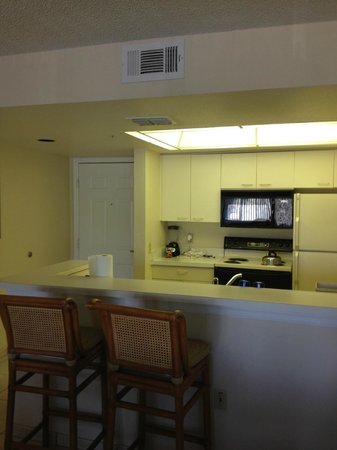 Silver Lake Resort: Well equipped kitchen - cabinets older than other units