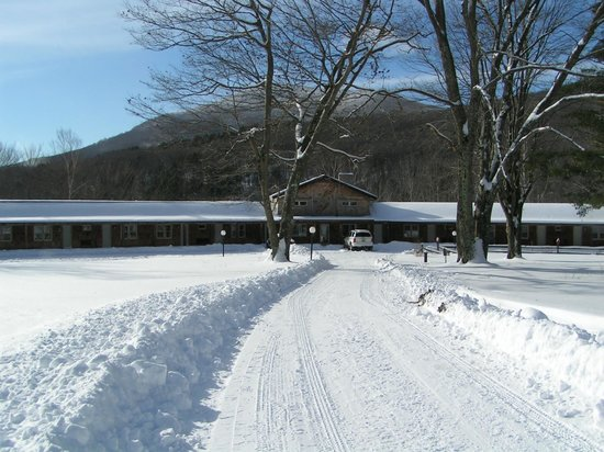 Aerie Inn of Vermont: Driving up to the Inn