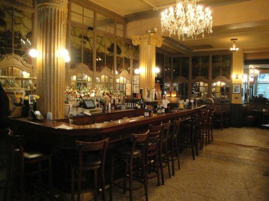 Cafe Un Deux Trois : The Bar