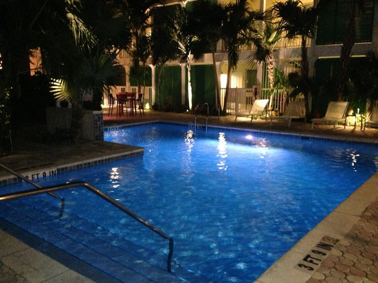 Almond Tree Inn :                   Pool at night