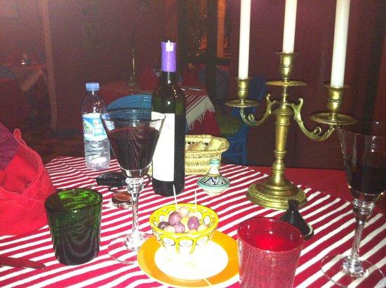Fez Cafe at Le Jardin Des Biehn: Notre table