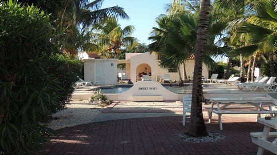 Hamlet Oasis Resort : Bij het zwembad