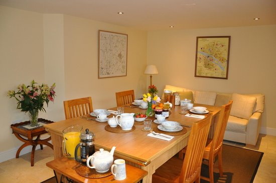 Talbot Lodge B&B, Bicester - Breakfast room