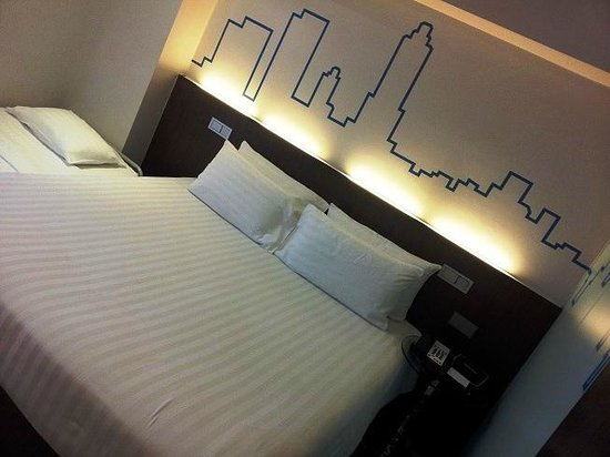 Galleria 10 Hotel Bangkok by Compass Hospitality:                   Soft comfy bed