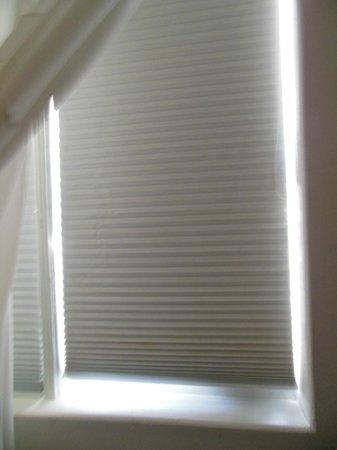 Cadet Hotel: cortinas de la habitacion