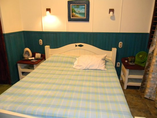 Hotel Banana Azul:                                     Sloth Cabina