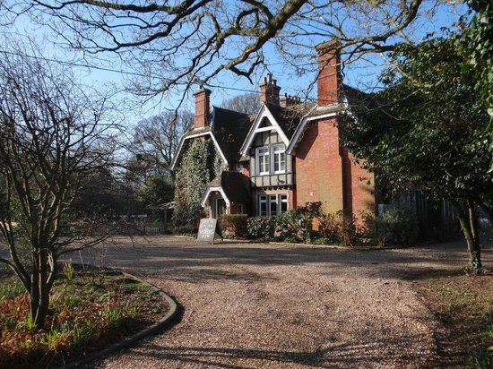 The Old Vicarage:                   Welcome
