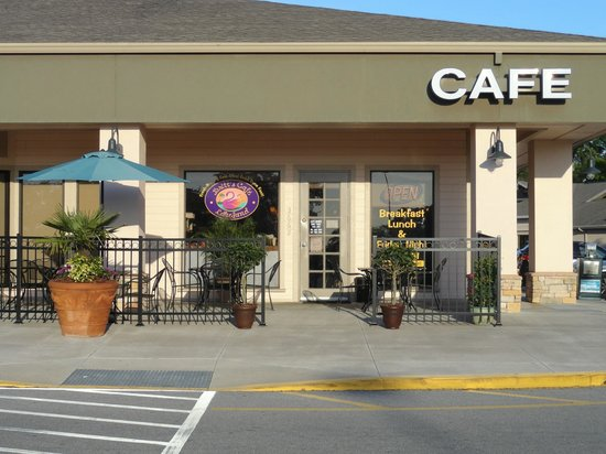 Britt's Cafe:                   Come on in to the Coziest Corner in Lakeland!