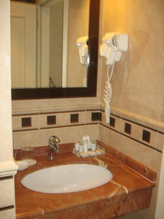 Hotel San Gallo Palace: Marble tiles throughout