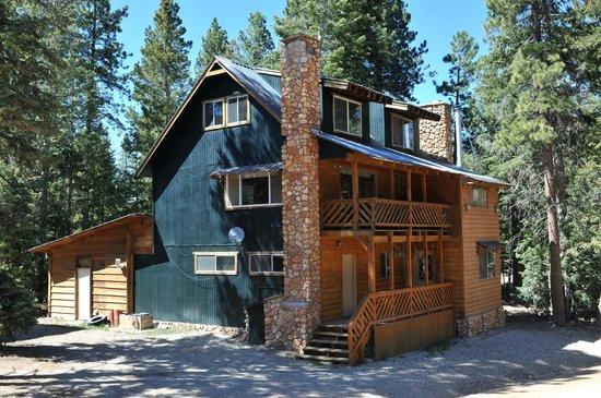 Pinewoods Resort: Mountain Home