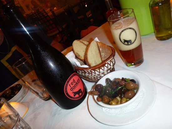 Santorini Brewing Company : The donkey in action at Vanilia