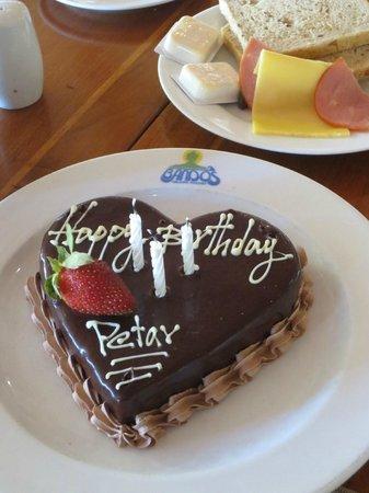 Bandos Maldives: BD cake :)