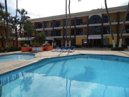 Hotel y Bungalows Estancia San Carlos: alberca