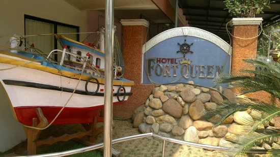 Hotel Fort Queen :                   OUTSIDE THE HOTEL