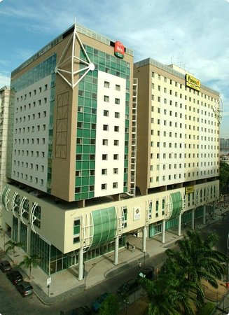 Hotel ibis Rio de Janeiro Centro: Prédio antes de se transformar em Ibis Budget, mas é isso aí.