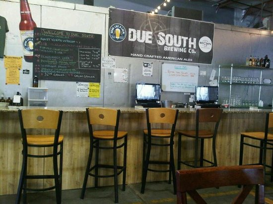 Due South Brewing Co.: Bar at Due South