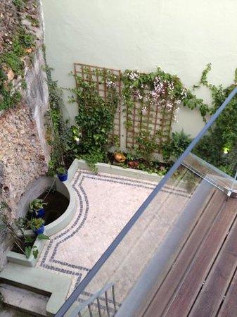 Casa Amora Guesthouse: vue sur cour...