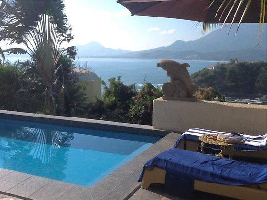 Villa Las Cumbres:                                     Pool area with excellent views