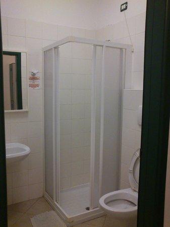 Ostello della Gioventu' Giovane Europa:                   Bathroom