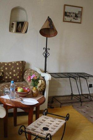 Hotel Dar Zitoune : Un coin de la chambre