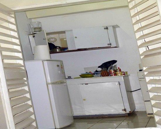 Villa La Cage: Villa Kitchen