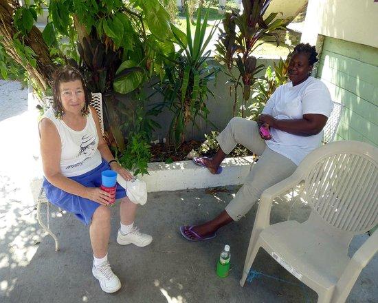 Villa La Cage: Elaine & Janet