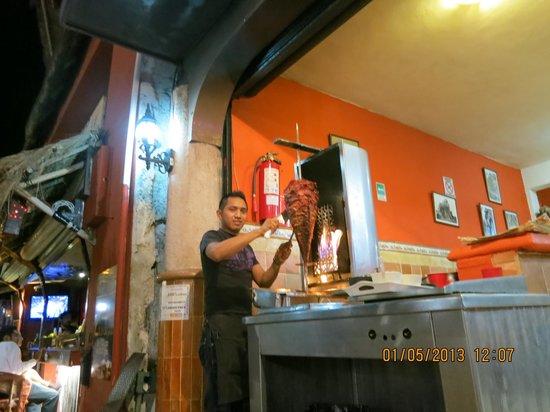 Taqueria Medina : al pastor preparation