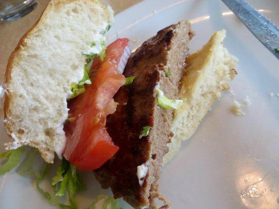 Sofra Family Bistro: Bistro burger