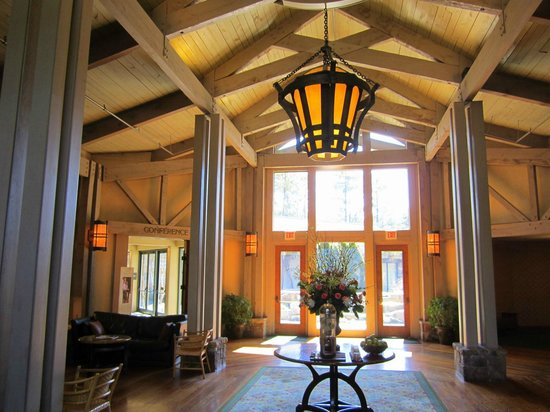 lobby picture of the lodge and spa at callaway gardens