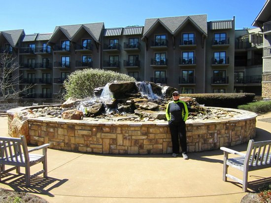 Entrance picture of the lodge and spa at callaway for The lodge and spa at callaway gardens