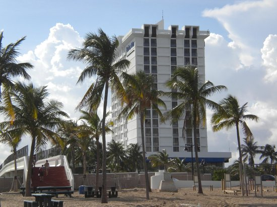 Bahia Mar Fort Lauderdale Beach - a Doubletree by Hilton Hotel:                                     From the beach!