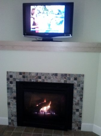 The Pinnacle Condominiums:                                     1 of the 3 rooms it had a fireplace and a flatscreen