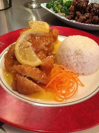 Le Showwok: Crispy Lemon Chicken