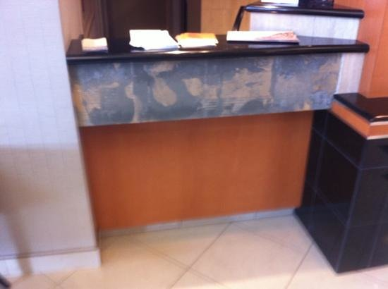 Holiday Inn Express Hotel & Suites Calgary South:                   Great tile work!