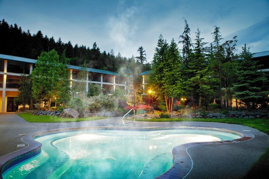 Bonneville Hot Springs Resort & Spa: Enjoy Our Outdoor Jetted Soaking Tub