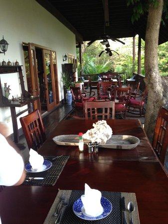 La Giralda: The veranda, where all the meals take place