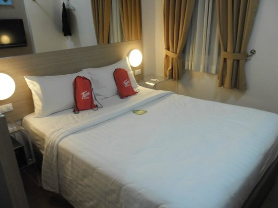 Red Planet Ermita, Manila: Comfortable bed, as standard with Tune Hotels