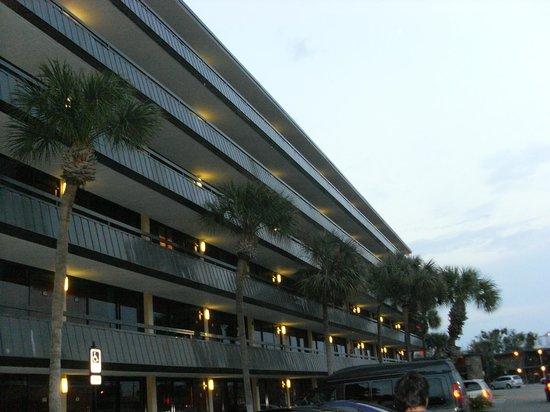 كواليتي إن إنترناشونال إيه روزن بروبرتي:                   Hotel                 