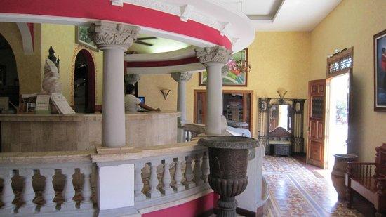 Hotel Colonial: main lobby
