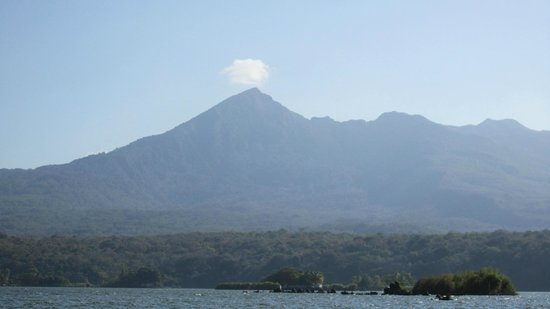 Hotel Colonial: view from the island - volcano
