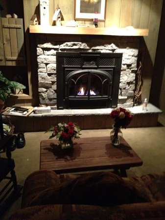 Deerhill Inn :                   Tamarack room